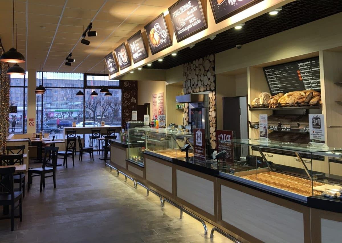 Нейтральные витрины в кафе